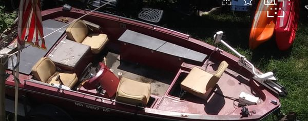 Boat Glass Stream 1981 And Trailer With Johnson Engine 11 5 HP Out Board It is Not Mounted On The Boat