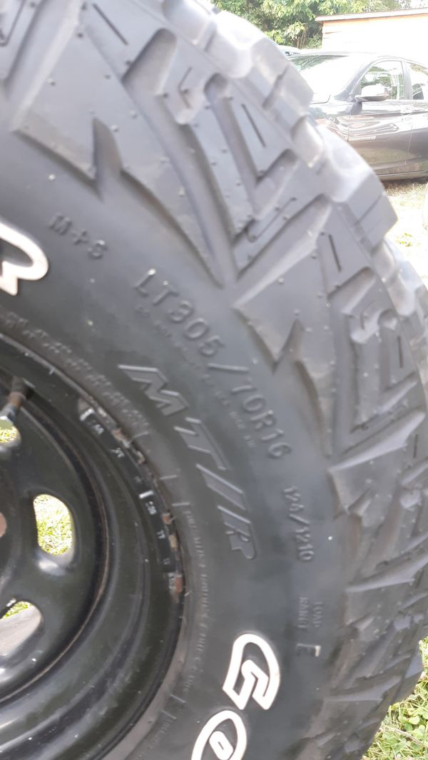 LT 305 70/16 tires and rims in perfect condition 8 lugs