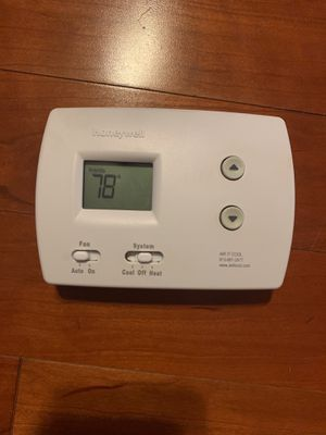 Honeywell Thermostat for Sale in Saint Petersburg, FL