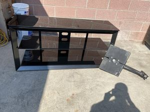 TV stand for Sale in Paramount, CA
