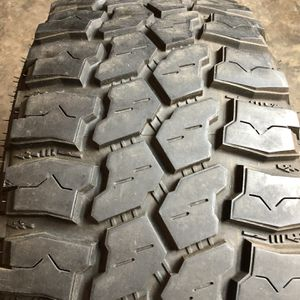 Set of 2 Used 35X12.50R18 Mud Claw Extreme MT 80% Life for Sale in Oak Park, IL
