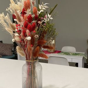 Decorative Dried Flower Bouquet & Vase for Sale in Los Angeles, CA