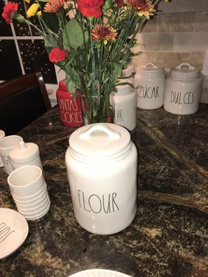 Rae Dunn FLOUR canister .. 🎰 Upscale Home Decor .. Ships Daily 🚀 for Sale in Sanger, CA