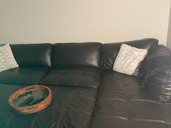 Black Sectional With Ottoman And Chaise for Sale in Woodbridge,  VA
