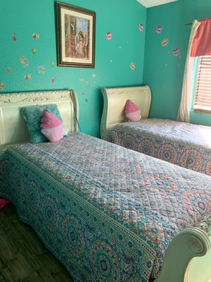 2 twin beds for Sale in Rialto, CA