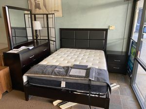 Queen size platform bed frame with Dresser and Mirror with Nightstand included for Sale in Glendale, AZ