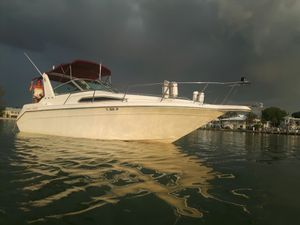 Sea Ray boat 32' with 496 ho for Sale in Venice, FL