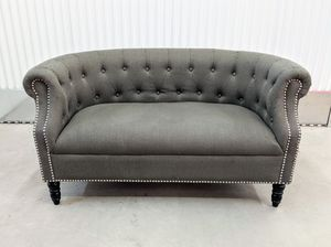 Chesterfield tufted charcoal gray linen sofa for Sale in Chicago, IL