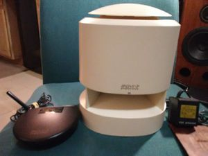 Advent Wireless Speaker transmitter system AW 810 900 M H Z indoor outdoor for Sale in Seattle, WA