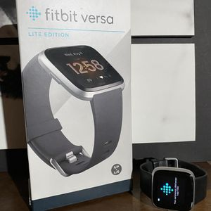 Fitbit Versa Lite for Sale in Danbury, CT