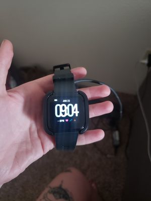 Fitbit Versa for Sale in Puyallup, WA