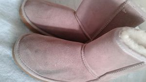 Pre-owned girl boots size 6 stain on side for Sale in Powder Springs, GA