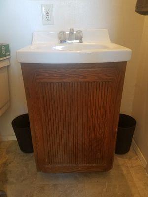 Bath vanity cabinet w/ sink and faucet. for Sale in El Cajon, CA