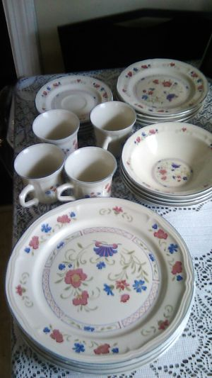 Dishset for Sale in Parma, OH