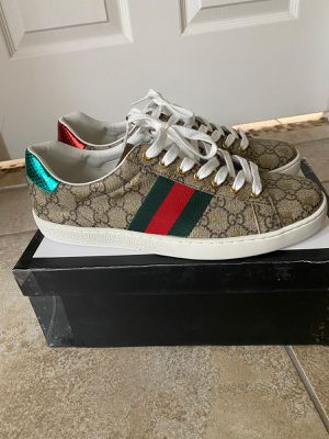Sneakers size 10 for Sale in Kissimmee, FL