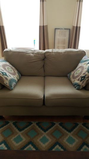 Couch and loveseat with accent Pillows. for Sale in Washington, DC