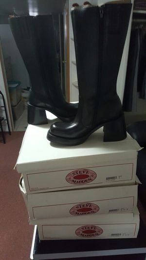 2 Steve Madden boots for Sale in Brooklyn, NY