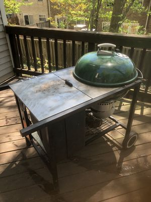 Excellent condition Weber grill never used with gas cylinder free for Sale in Alexandria, VA