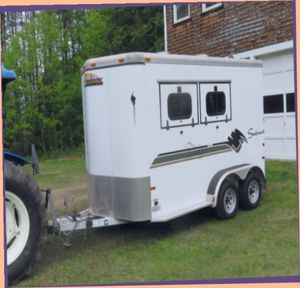 I'AM SELLING A ALMOST NEW 2 Horse TRAILER.$1OOO.OO. for Sale in Evansville, IN