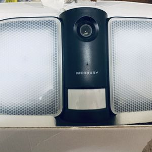 Floodlight Security Camera I Have Two Paid 200 For Both It Has WiFi And2way Audio for Sale in Lake Elsinore, CA