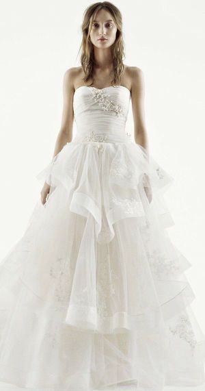 New - Vera Wang White Strapless Tulle Wedding Dress Princess VW351197 Size 6 for Sale in Torrance, CA