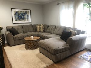 New sectional couch with chaise for Sale in Lincroft, NJ