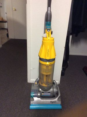 Dyson vacuum cleaner works perfect for Sale in Los Angeles, CA