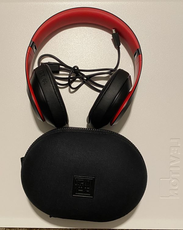 BEATS BY DRE STUDIO 3 NOISE CANCELING SPECIAL EDITION
