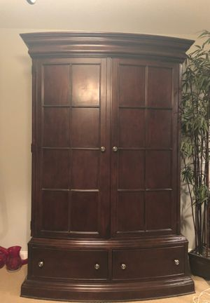 Armoire / Entertainment Center for Sale in Corona, CA