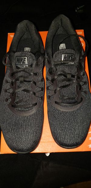 NEW- Black/White Nike Flex Supreme TR 6 size 11 women for Sale in Renton, WA