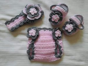 Crochet Baby Girl Headband Diaper Cover Outfit Newborn for Sale in Lyons, GA