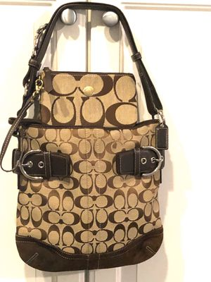 Coach purse and wallet, beautiful, like new , hardly used, clean, smoke free pet free home for Sale in Farmington Hills, MI