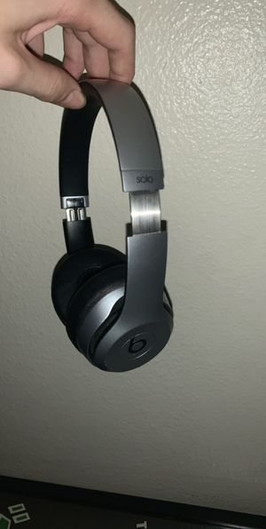 Beats Solo 2 Bluetooth Headphones for Sale in Lakeside, CA