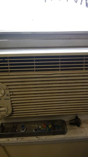GE Air Conditioner for Sale in Philadelphia, PA