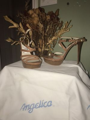Michael Kors Leather Beige Heals for Sale in Miami, FL
