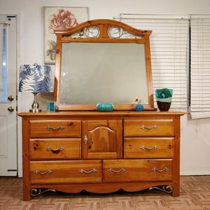 """Nice wooden big dresser with mirror in good condition all drawers working well, dovetail drawers, driveway pickup. L64""""*W18.2""""*H34"""" for Sale in Springfield, VA"""