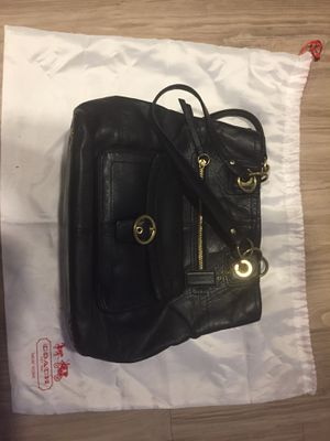 COACH PURSE and MATCHING WALLET- black leather $90 comes with coach dust cover for Sale in Portland, OR