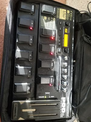 line 6 pod xt live pro guitar/bass multi-effects pedal w/ power supply and bag for Sale in Sammamish, WA