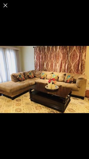 Sectional sofa in very good condition for Sale in Cupertino, CA