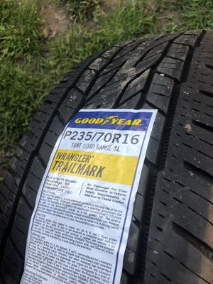 235/70/16 Comtinental crosscontac pair of tires for Sale in Tigard, OR