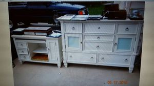 Walter wabash ,dresser ,end table ,mirror for Sale in Manassas, VA