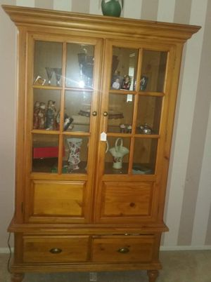 Broyhill China Cabinet for Sale in Port Richey, FL