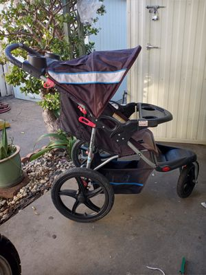 BABY TREND JOGGER STROLLER for Sale in Torrance, CA