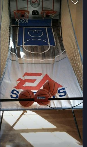 Ea sports indoor basketball arcade 3 basketballs. MOVING NEED GONE TODAY for Sale in Summersville, WV