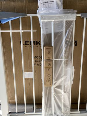Pets gate new in box opening up to 38 inches wide adjustable for Sale in Los Angeles, CA