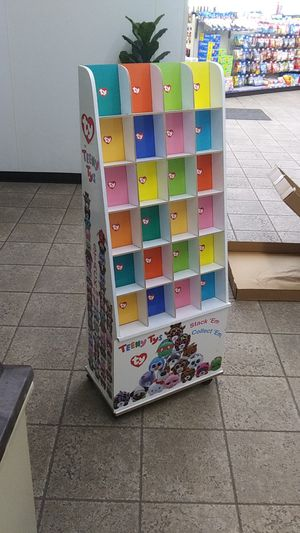 Teeny tus display case for Sale in NEW PRT RCHY, FL
