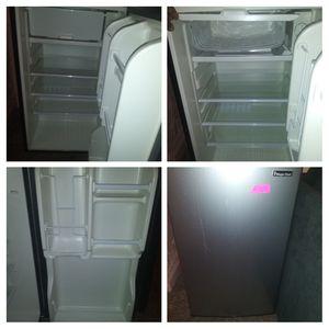 Magic chef mini fridge for Sale in Baltimore, MD