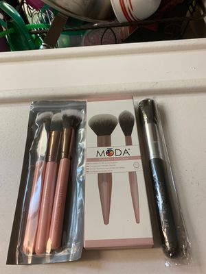 New Lot of makeup brushes for Sale in Rialto, CA