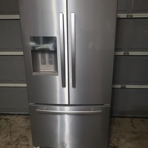 refrigerator in perfect condition with delivery and installation included for Sale in San Antonio, TX