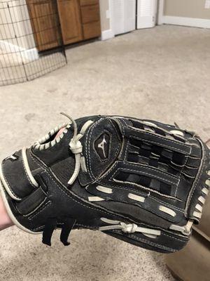 """Mizuno ballpark 12"""" all-purpose baseball glove for Sale in Maple Valley, WA"""